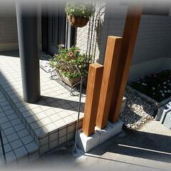 スリット柱/天然木柱 門袖の脇役になる飾り柱です  フェンス用…
