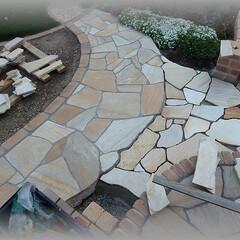 洋風庭/乱張り/小路DIY/コンクリート基礎 私の場合石を張りながら進めるよりすべての…