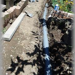 排水経路/溜桝/排水桝/雨水桝/浸透桝/塩ビ管 ひたすら掘り下げ2番目の桝に繋げていきま…