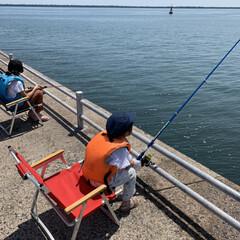 休日の過ごし方/こどものいる暮らし/釣り/パシャリ!おでかけフォトコンテスト/フォロー大歓迎/おでかけ/... 先週末は子供達、人生初の海釣りに出かけま…