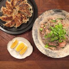 食器/器/料理/献立/グルメ/フード/... セロリをふんだんに使ったアジアンビーフン…