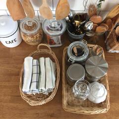 収納術/キッチン/インテリア/雑貨/イケア/住まい/... キッチンの小物収納。 よく使う布巾やコー…