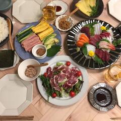 手巻き寿司/ヘリンボーンテーブル/幸せおうちごはんフォトコンテスト/おうちごはん/インテリア/グルメ/... 週末は両親や兄夫婦を呼んで手巻き寿司パー…