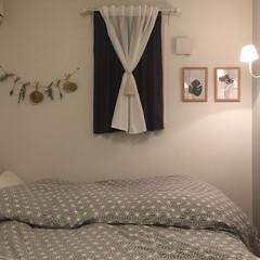 生活の知恵/ベッドルーム/寝室/雑貨/インテリア/家具/... 寝室はドライフラワーの押し花ポスターで優…