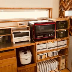 DIY/1×4/ホームセンター/コンテナ/ダイソー レンジ横の隙間に 棚をDIY (^-^)…