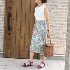 カラーサンダル/フラットサンダル/タイトスカート/GU/ファッション GU さんのワッフルスリーブレスT とっ…