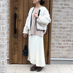 プリーツスカート/ベージュコーデ/ファッション 安定のホワイト×ベージュコーデ🎶  ホワ…