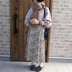 マフラー/ママコーデ/ファッション 小花柄スカート×スウェット❤️  楽ちん…