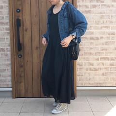 デニムジャケット/マキシワンピース/ファッション 楽ちんなコーディネート♡ブラックのマキシ…