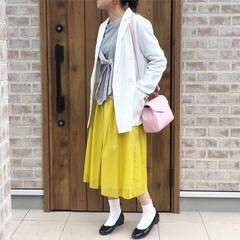 春コーデ/カラースカート/LIMIAおでかけ部/ファッション/小さい春 鮮やかなイエローのスカートで春コーデ🎶 …