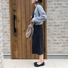 マラボーピアス/ママコーデ/ボリューム袖/ファッション 今年も、カーディガンはボリューム袖のもの…