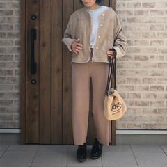ママコーデ/ベージュコーデ/リブニットパンツ/2018/ファッション 最近、ベージュカラーのコーディネート大好…