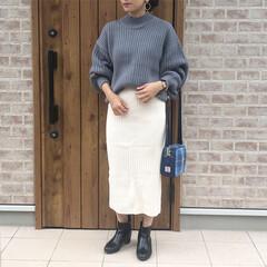 ママコーデ/ニット/ファッション ボリューム袖ニットに、タイトなリブニット…