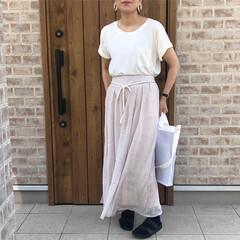 ホワイト/リネン/ファッション ホワイトTシャツに、リネン素材のパンツ♡…