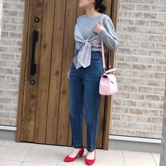 ママコーデ/デニムコーデ/春コーデ/ファッション SLOBE IENAさんのハイウエストテ…(1枚目)