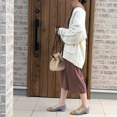 ママコーデ/カーディガンコーデ/ファッション 流行カラーの、ブラウンのシンプルワンピー…(1枚目)