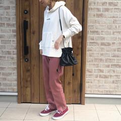 パーカー/カラーパンツ/ファッション 今日は、カラーパンツコーデ🎶  DHOL…