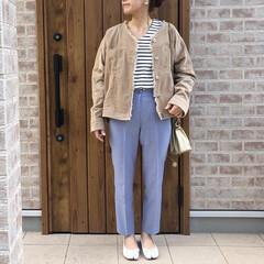 カラーパンツ/ファッション/ママコーデ/コーデュロイ/ボーダー くすみブルーがお気に入りのDHOLICの…