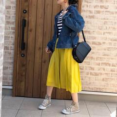 カラースカート/春コーデ/ママコーデ/ファッション/小さい春 イエローのカラースカートで春コーデ🎶 無…