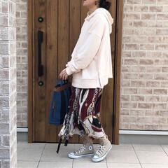 ママコーデ/スカーフ柄/パーカー/春コーデ/ファッション この春たくさん穿きたいスカーフ柄スカート…