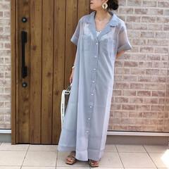 ママコーデ/シアーワンピース/ファッション/おしゃれ/夏ファッション ひとつ前のシアーワンピース、ボタンをきち…