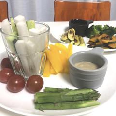 夏野菜/バーニャカウダ/おうちごはんクラブ バーニャカウダ😍美味しいですよね😋 今日…