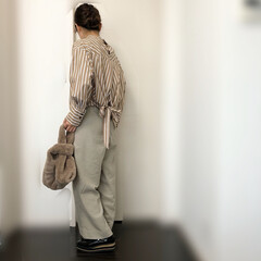 ママコーデ/ベージュ/ファッション Rouge vifさんのバッグリボンブラ…