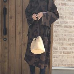 ママコーデ/レギンス/ファッション merlotさんのモウワールド柄サイドリ…