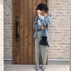 コーデュロイシャツ/ミントグリーン/カラーパンツ/ファッション この春注目の、ミントグリーンでコーディネ…