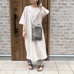サコッシュ/ママコーデ/シャツワンピース/おしゃれ/夏ファッション 1枚あると、めちゃ便利なTシャツワンピー…