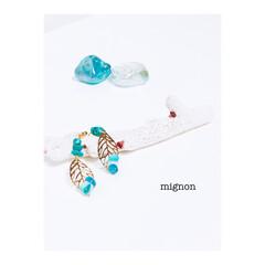 イヤリング/アクセサリー/母の日/ファッション/ハンドメイド ターコイズのさざれ石のイヤリング