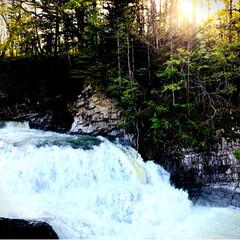 マイナスイオン/滝/ドライブ/令和元年フォト投稿キャンペーン 近くまで寄って見られる滝。 細かい水しぶ…