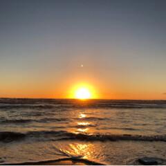 夕日/海辺/風景/旅 小平町の鰊番屋へ行った時の写真です。 波…