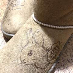 ブーツリメイク/リメイクブーツ/はんだごて/ウッドバーニング/バーニングアート/フェイクムートン/... うさぎのデザインされた ブーツが欲しくて…