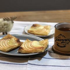 お茶の時間/簡単おやつ/秋のお菓子/簡単お菓子/salut/林檎/... 林檎を沢山貰ったのでおうちにあったパイシ…