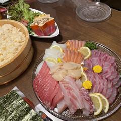 お誕生日/手巻き寿司/手巻き寿司パーティー/刺身/スタミナ盛り/スタミナご飯/... 娘のお誕生日会メニュー✨ 我が家は毎年手…