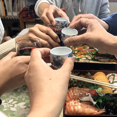 カンパーイ/乾杯/お節料理/おせち料理/明けましておめでとうございます/お正月2020/... 今年も健康第一でかんぱーい♩