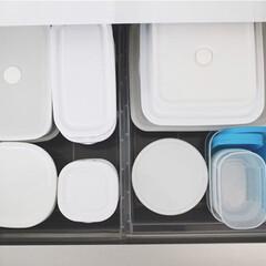 iwaki イワキ パック&レンジ システムセット グリーン PSC-PRN-G7(食品保存容器)を使ったクチコミ「保存容器の収納。 シンクの一番下の引き出…」