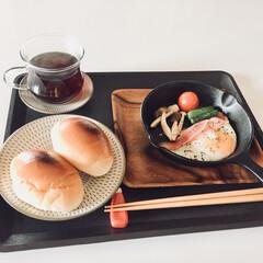 朝日がまぶしい/朝食/おそい目覚め おはようございます^ - ^✨ 今日は、…