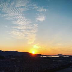 イマソラ/晴天/夕暮れ/夕陽/住まい いま、夕陽が沈む瞬間です。