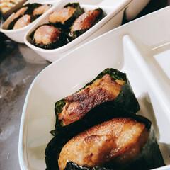 お寿司ラブ❤️/軍艦風/肉巻きおにぎり/おうちごはんクラブ/おうちごはん/グルメ/... お寿司大好きな次女❤️ スーパーに行けば…(1枚目)