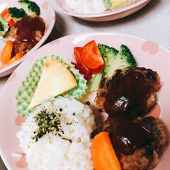 夕飯/おうちごはんクラブ/おうちごはん/グルメ/フード/スイーツ/... 今日の夕飯😋 ハンバーグとクリームシチュ…
