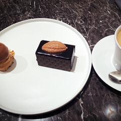 GODIVA ゴディバ マスターピースシェアリングパック 45粒入×2箱   ゴディバ(チョコスナック、チョコバー)を使ったクチコミ「ゴディバカフェで至福のひととき❤︎」