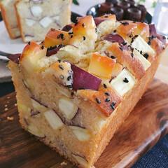 パウンドケーキ/チーズ/さつまいも/スイーツ 休日にパウンドケーキを焼きました。 さつ…