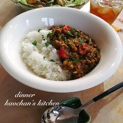 簡単レシピ/サラダ/キーマカレー/娘の手作りごはん/おうちごはん こんにちは! これは、とある日のご飯。 …