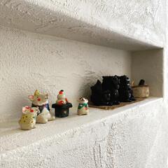 干支の置物/陶芸作品/自然素材の家/漆喰壁/ニッチ収納/ニッチ/... 玄関のニッチには、家族で行った沖縄旅行の…