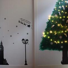 ジュエリーライト/手描きもみの木/ウォールステッカー/ステンシル/ディスプレイ/おうち/... 和室の押し入れの扉をクリスマス仕様にディ…