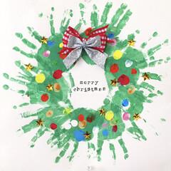 手形アート/クリスマスリース/おうち/クリスマス/ハンドメイド/セリア メリークリスマス 手形アート 子供の手形…