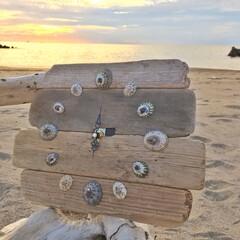 日本海/砂浜/夕暮れ/夏の思い出/時計/流木雑貨/... 帰省して久しぶりの35度超え。 クーラー…