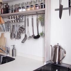 キッチングッズ/収納/キッチン収納/ラブリコ/おでかけ/DIY/... ラブリコ棚で壁面収納できたおかげで狭小な…